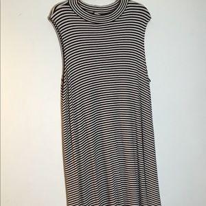 Ava & Vic Woman Sleeveless Dress